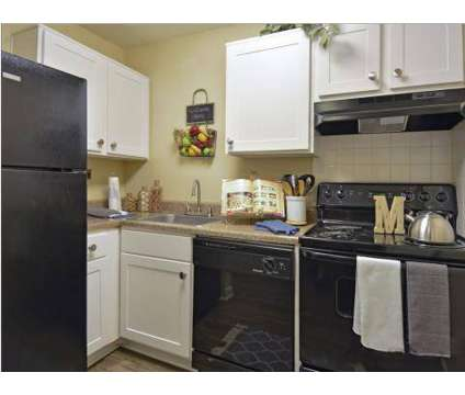 2 Beds - Carriage Place at 505 Wells Fargo Dr in Houston TX is a Apartment
