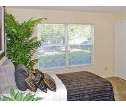 2 Beds - Stoneridge at Germantown Falls at 6895 Club Ridge Cir in Memphis TN is a Apartment