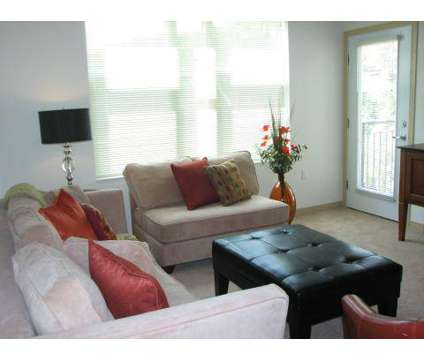 3 Beds - The Enclave at 1200 N 62nd St in Wauwatosa WI is a Apartment