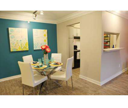 2 Beds - Sapphire at Nassau Bay, The at 2002 San Sebastian in Houston TX is a Apartment