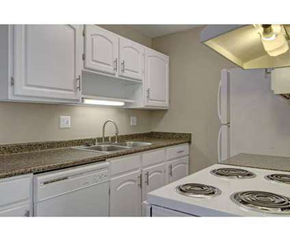 2 Beds - Greenfield Apartments at 1640 S Greenfield Cir Ne in Grand Rapids MI is a Apartment