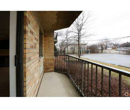 1 Bed - The Glen View at 2600 Golf Rd in Glenview IL is a Apartment