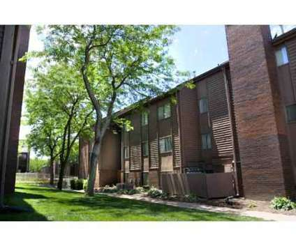 3 Beds - Lake Candlewood at 1506 N 120th Plaza in Omaha NE is a Apartment