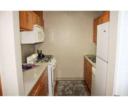 2 Beds - Bella Vista Townhomes at 3201 E Seneca St in Tucson AZ is a Apartment