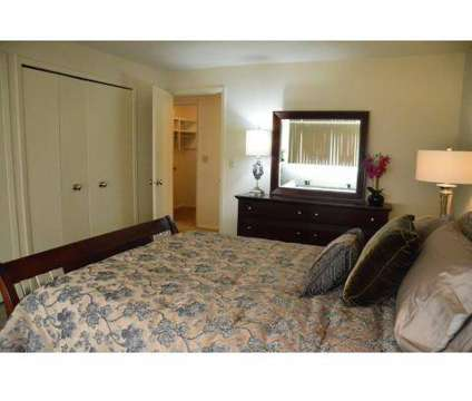 2 Beds - Hamptons Luxury Apartments at 27040 Cedar Rd in Beachwood OH is a Apartment