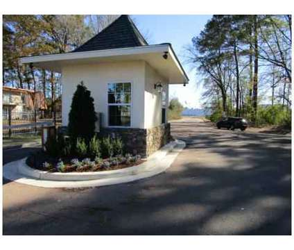 1 Bed - Castlegate Luxury Apartment Homes at 5600 Keele St in Jackson MS is a Apartment
