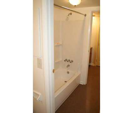 3 Beds - Cambridge Park Apartments at 1100 Princeton Square Circle in Cincinnati OH is a Apartment