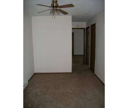 1 Bed - Parkside Apartments at 1408 Brookview Dr in Toledo OH is a Apartment