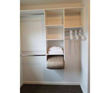 2 Beds - The Gates at Campus View at 550 Michigan Ave in East Lansing MI is a Apartment
