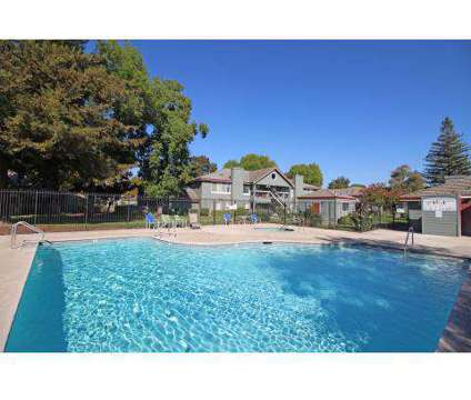 3 Beds - Lakeshore Meadows & Gardens at 2081 Sylvan Way in Lodi CA is a Apartment