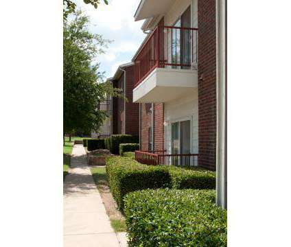 2 Beds - Meadow Parc at 4811 Duncanville Rd in Dallas TX is a Apartment