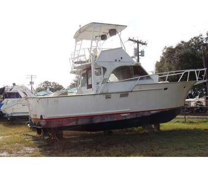 36' Striker Sportfish 1993 is a 37 foot 1993 Scout Sportfish Fishing Boat in Gibsonton FL