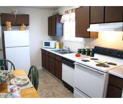 3 Beds - Four Seasons Apartments at 4222 New Rd in Youngstown OH is a Apartment