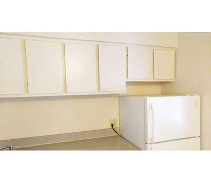 2 Beds - Oakwood Park at 1885 East 42nd St in Lorain OH is a Apartment