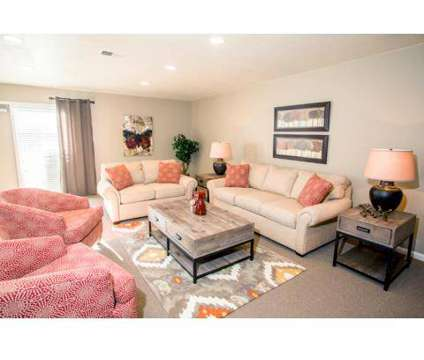 2 Beds - The Retreat at 2801 Toledo Rd in Elkhart IN is a Apartment