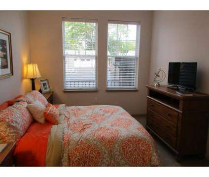 2 Beds - Sterling King Apartments at 714 Ct St in Portsmouth VA is a Apartment