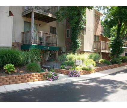 1 Bed - Pinetree Apartments & Townhouses at 1266 Lytle Ln in Kettering OH is a Apartment