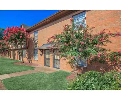 3 Beds - Faronia Square Townhomes at 1350 S Faronia Square in Memphis TN is a Apartment