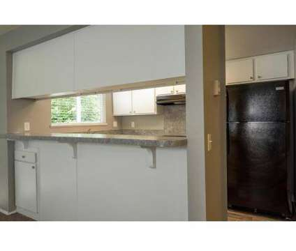 1 Bed - Hidden Oaks at 4545 Ne 125th Place in Portland OR is a Apartment