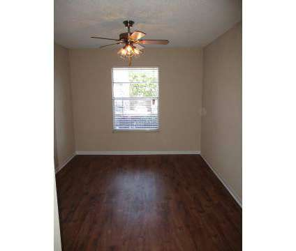 1 Bed - Londontown Apartments at 6350 Lonas Drive in Knoxville TN is a Apartment