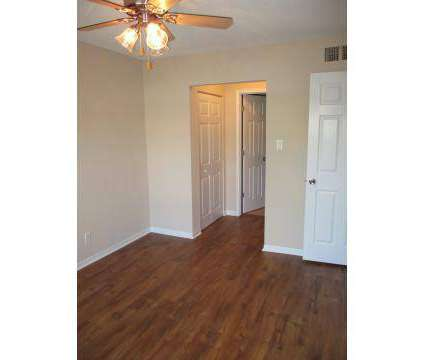 2 Beds - Londontown Apartments at 820 Londontown Way in Knoxville TN is a Apartment