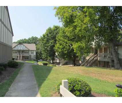 3 Beds - Londontown Apartments at 6350 Lonas Drive in Knoxville TN is a Apartment