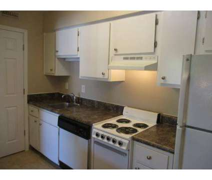 3 Beds - Londontown Apartments at 6400 Lonas Drive in Knoxville TN is a Apartment