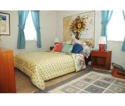 3 Beds - Hollinswood Townhouses at 2200 W Patapsco Avenue in Baltimore MD is a Apartment