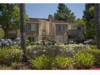 2 Beds - River Pointe