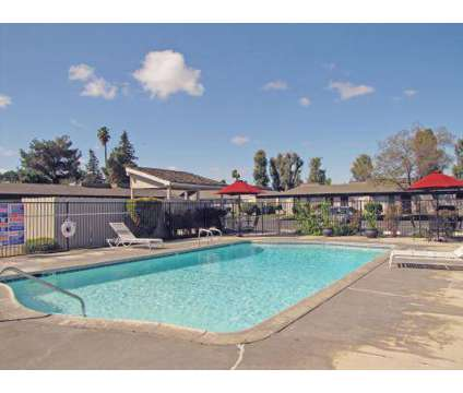 2 Beds - Ashbrier / Sandalwood at 5040 E Ashlan in Fresno CA is a Apartment