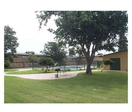 1 Bed - Park Plaza Townhomes at 2508 East 11th St in Odessa TX is a Apartment