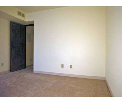 2 Beds - Capitol Commons Apartments & Townhomes at 600 South Sycamore in Lansing MI is a Apartment