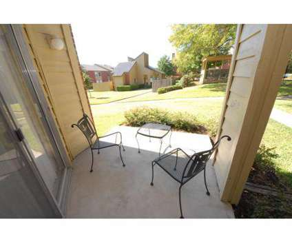 2 Beds - Retreat at Western Hills at 601 N Twin Oaks in Temple TX is a Apartment