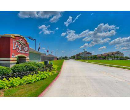 3 Beds - La Sierra at 520 Fm 306 in New Braunfels TX is a Apartment