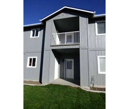 3 Beds - The Gramercy at 2112 S Rainier St in Kennewick WA is a Apartment