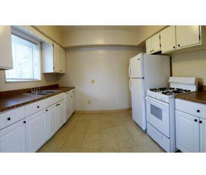2 Beds - Oakwood Garden Apartments at 3880 Mayfield Rd in Cleveland Heights OH is a Apartment