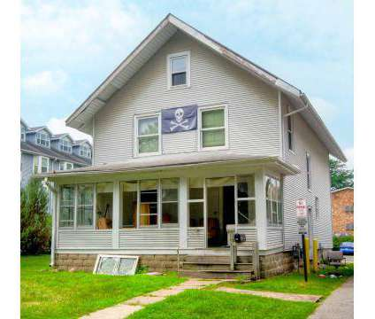 5 Beds - Campustown at 200 Stanton Avenue #101 in Ames IA is a Apartment