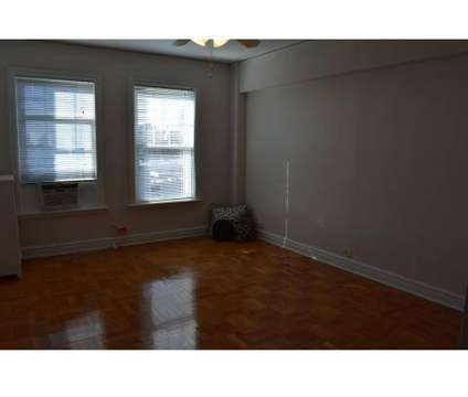 Studio - President/Park Royal at 4615 Lindell Boulevard in Saint Louis MO is a Apartment