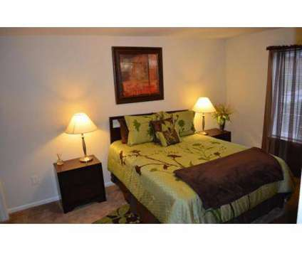 3 Beds - Shawnee Station at 6405 Maurer in Shawnee KS is a Apartment