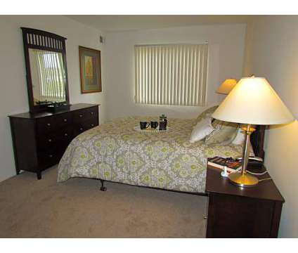 2 Beds - West Gardens Apartments at 130 E Tami Circle in Westland MI is a Apartment