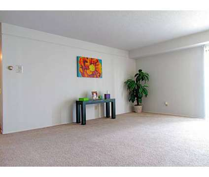 2 Beds - Sunridge Apartments and Townhomes at G3348 Flushing Rd in Flint MI is a Apartment