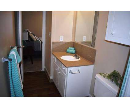 3 Beds - The Links at Parkville at 11107 Nw Lema Drive in Kansas City MO is a Apartment