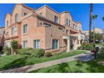 2 Beds - River Ranch Townhomes