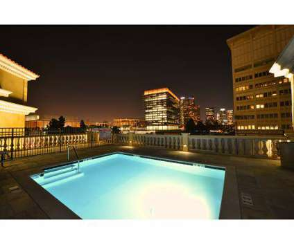 Studio - Da Vinci at 909 W Temple St in Los Angeles CA is a Apartment
