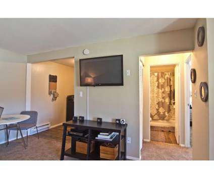 2 Beds - The Summit at Ridgewood at 1035 Ridgewood Dr in Fort Wayne IN is a Apartment