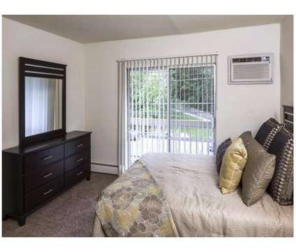 2 Beds - Lakeshore Drive Apartments & Health Club at 1 East Lakeshore Dr in Cincinnati OH is a Apartment
