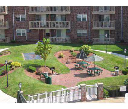 2 Beds - Parlmont Park at 10 Parlmont Park in North Billerica MA is a Apartment