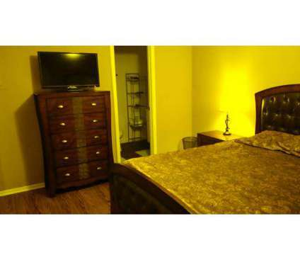 2 Beds - Arlington Square at 3300 Pass Rd in Gulfport MS is a Apartment