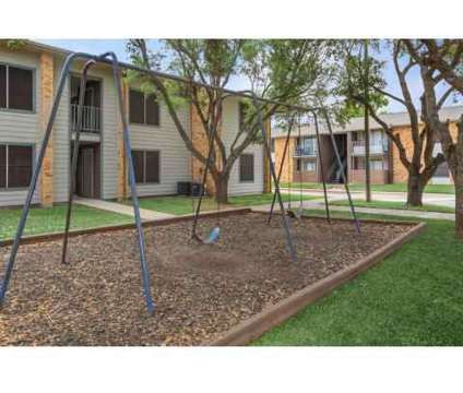 3 Beds - The Pointe at 1901 Rodd Field Road in Corpus Christi TX is a Apartment