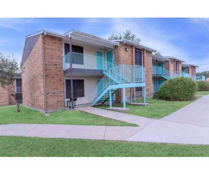 1 Bed - The Estates at 3720 Brookside Drive in Corpus Christi TX is a Apartment